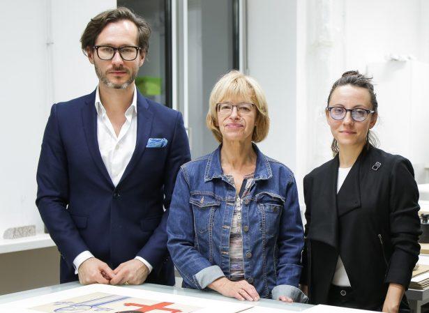 Marta Wróblewska, córka artysty i współfundatorka, Magdalena Ziółkowska i Wojciech Grzybała